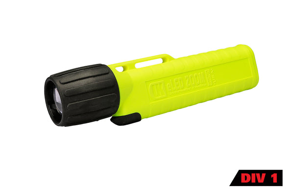 UK 4AA eLED Zoom 2 - Intrinsically Safe Flashlight