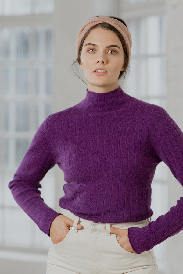 Cashmere Turtleneck, Iris
