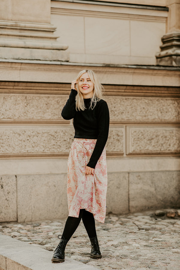 Button Skirt, Rose Garland