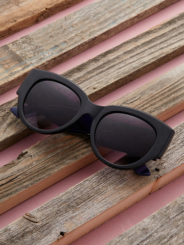 Acrylic Oversize Stripe Detail Arm Sunglasses