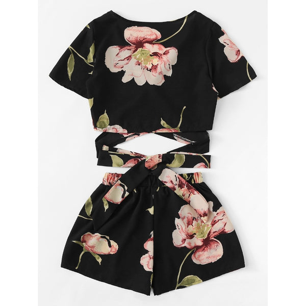 Allover Florals Crisscross Tie Detail Top With Shorts BLACK
