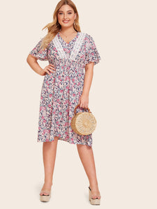 Plus Contrast Lace Ditsy Floral Shirred Waist Dress