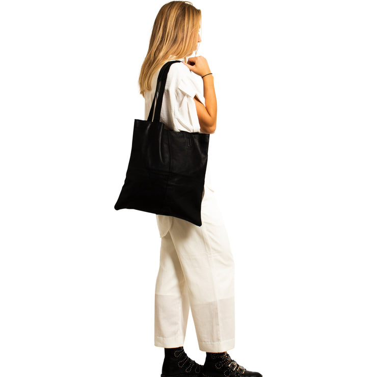 muud Show medium Shopper Black