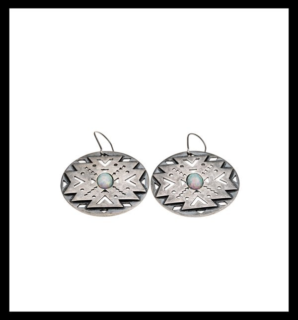 The Aztec Earring is made of 925 Sterling silver, rhodium plated.  The earring lenght is 4,5 cm .