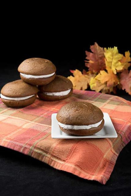4 maple whoopie pies stacked with one in front