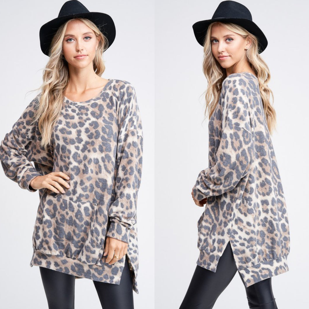 Oversize Cheetah Print Knit Top