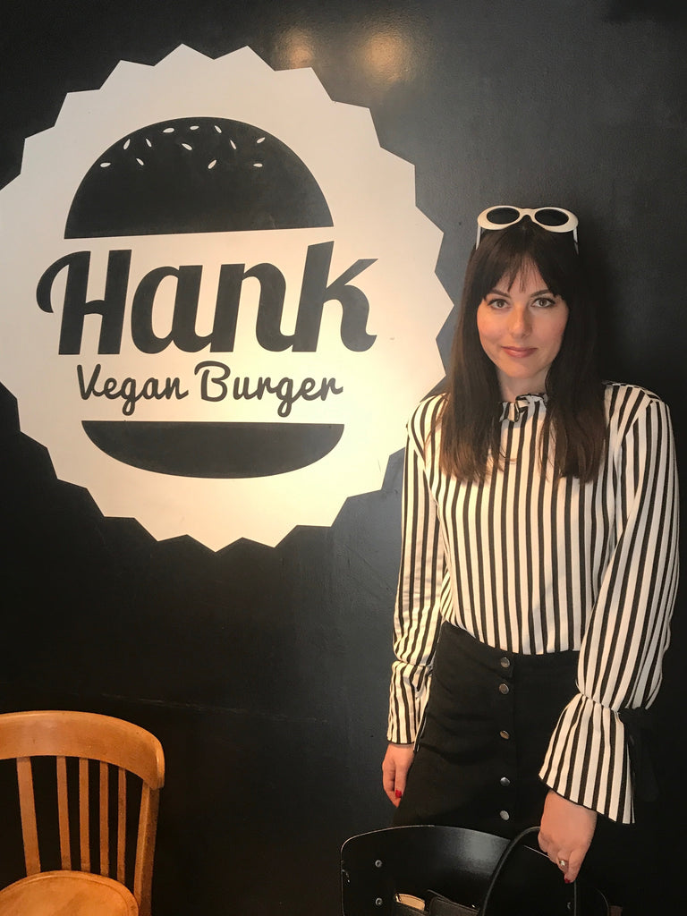 Lindsey at Hank Burger Paris