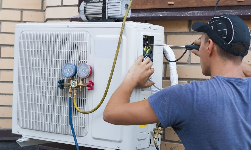 AC Unit Leaking Refrigerant? Here's How To Tell