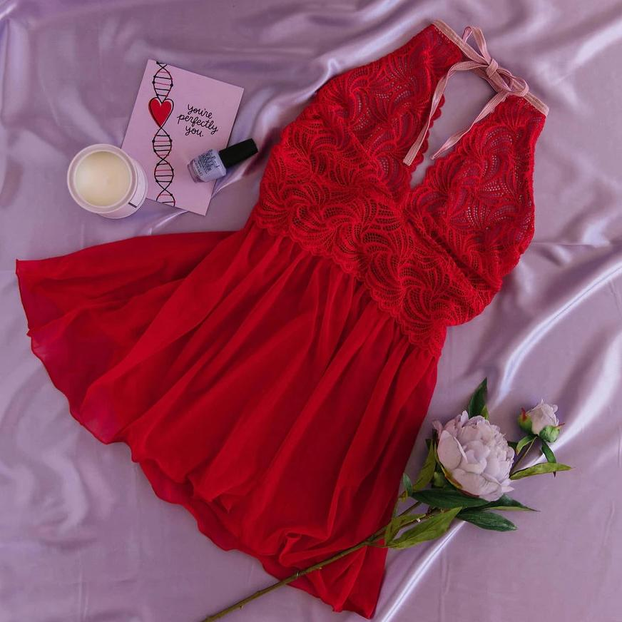Lace & Mesh Keyhole Babydoll - Red