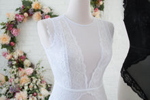 Mesh Plunge Scalloped Lace Teddy - White
