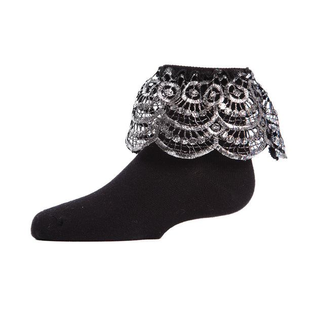 Memoi Scalloped Metallic Anklet Sock - MKF 6023