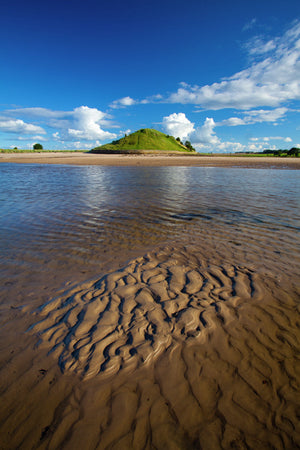 England, Northumberland,  Alnmouth. The tidal Aln Estuary at Alnmouth. The hill in the distance is known as Church Hill.
