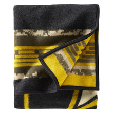 PRE ORDER Jacquard Blanket - Courage and Country