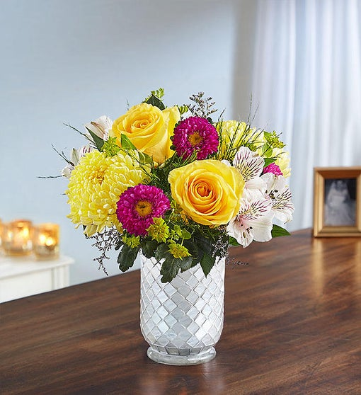 SUNSHINE HARMONY IN WHITE MOSAIC VASE
