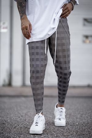 Alvaro Plaid Trousers