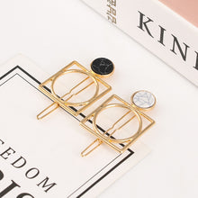 Geometric Metal Hairpin