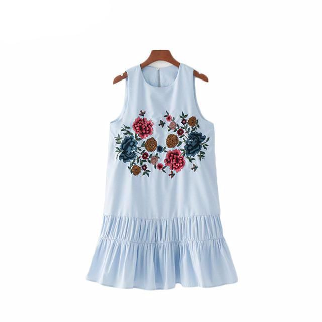 Sweet Floral Embroidery Pleated Dress