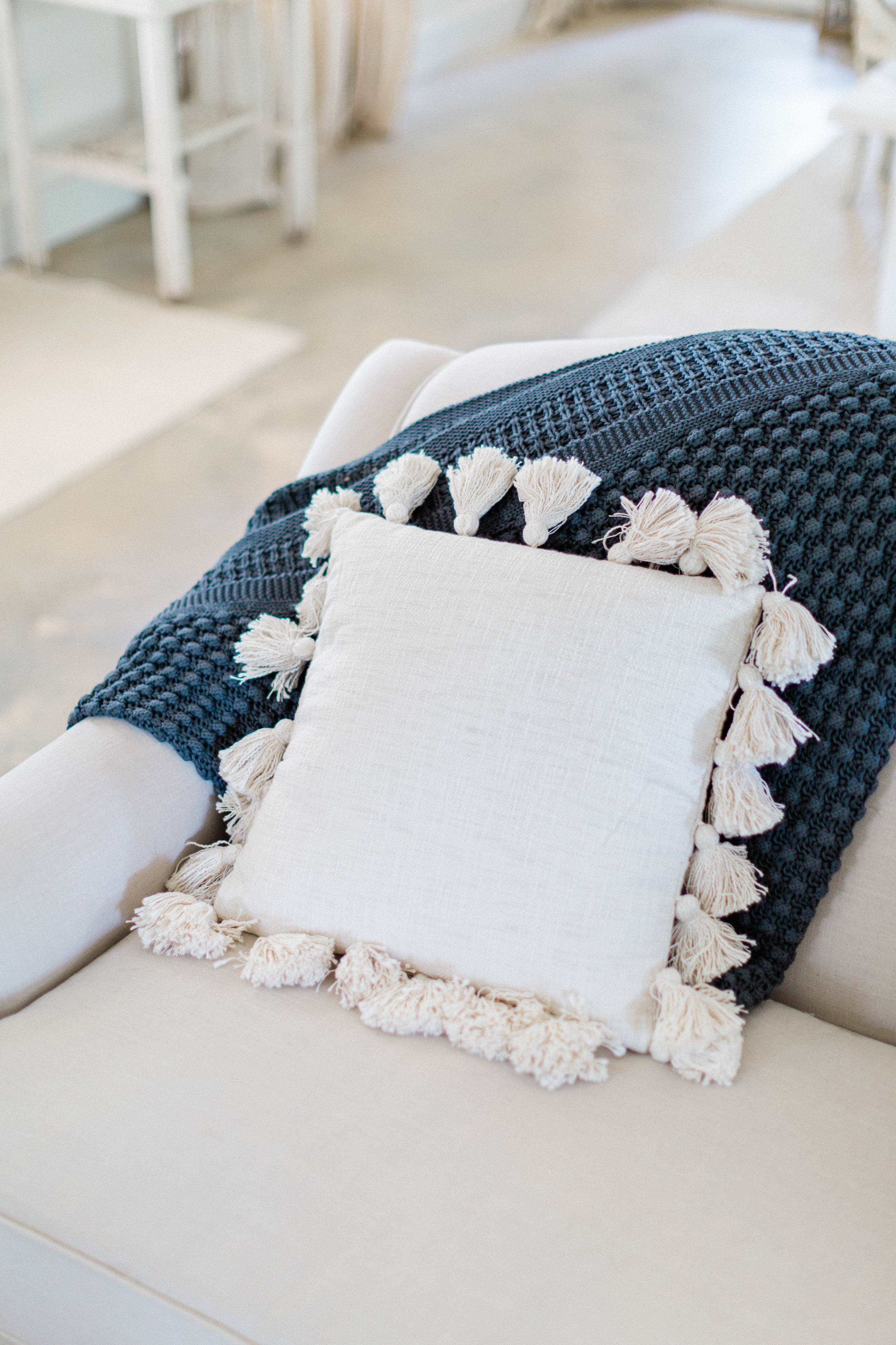 Cotton Pillow with Tassels