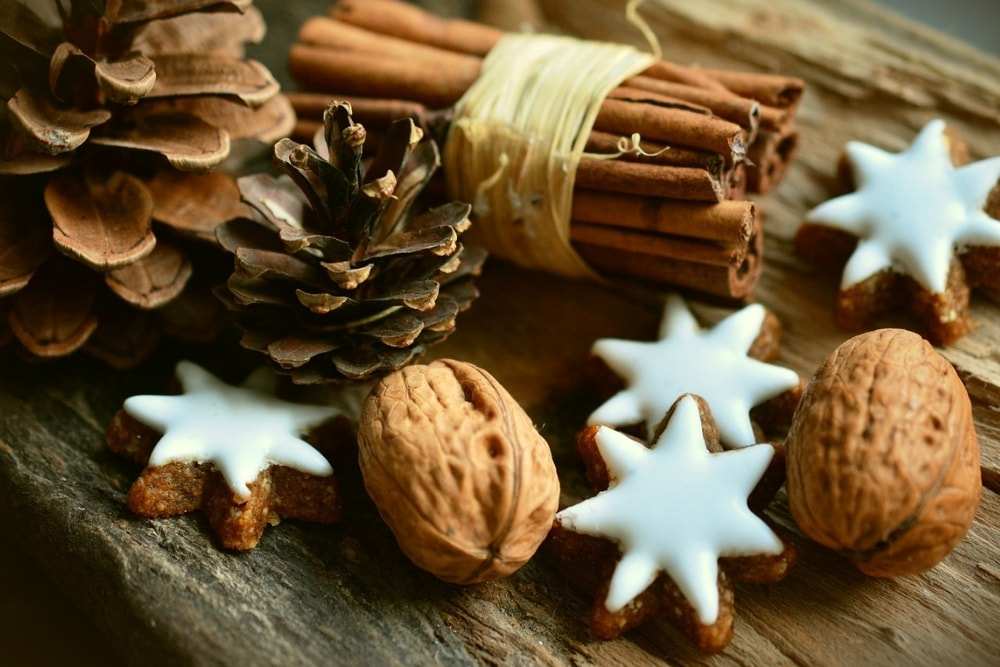 DIY Holiday Scents - How to Make Things Smell Like Christmas