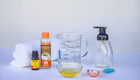 Lemon Essential Oil Handsoap DIY