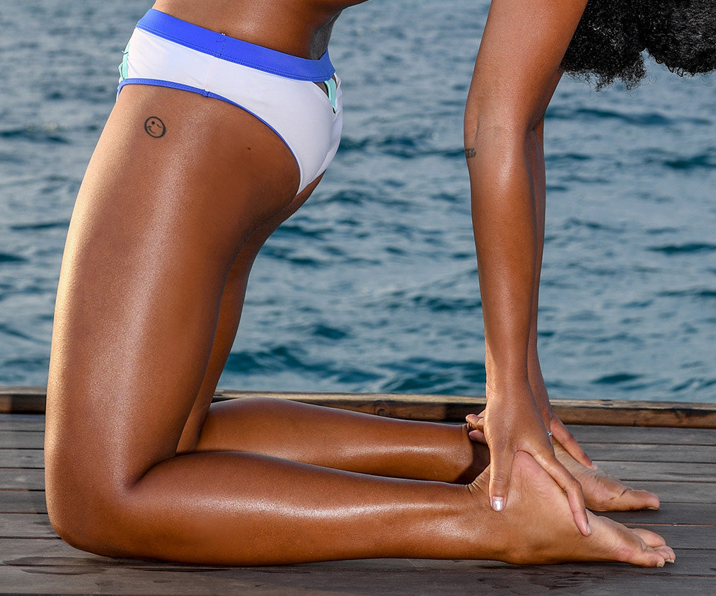 BONDI AQUA BOTTOM // WHITE & INDIGO - Nayali - Activewear for A-G Cup