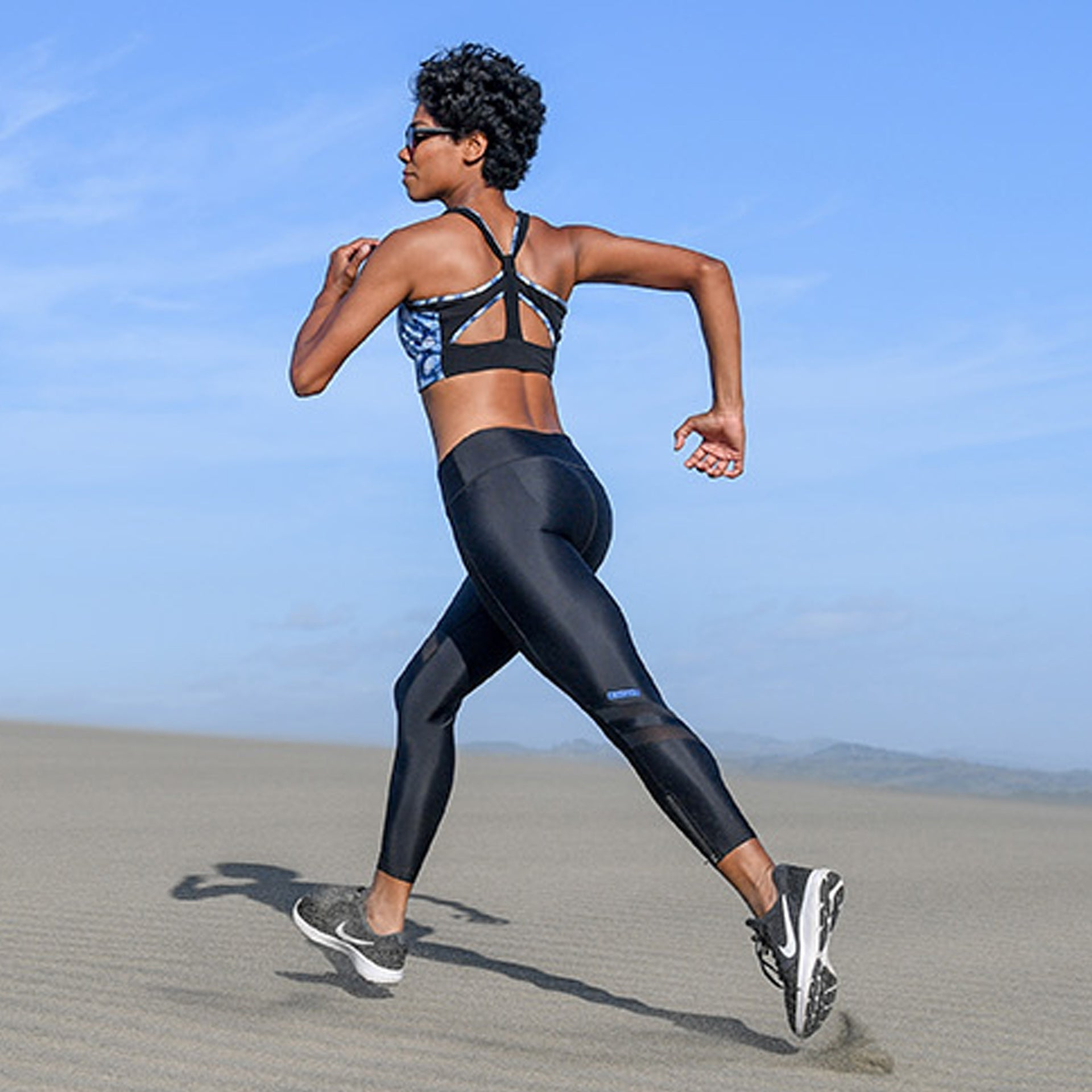 RUSHCUTTER 7/8 TIGHT // BLACK & BLACK - Nayali - Activewear for A-G Cup