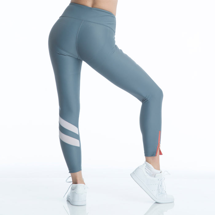 RUSHCUTTER 7/8 TIGHT // SLATE & WHITE - Nayali - Activewear for D Cup & Up