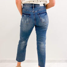 Load image into Gallery viewer, High Waisted Raw Hem Ankle Jeans