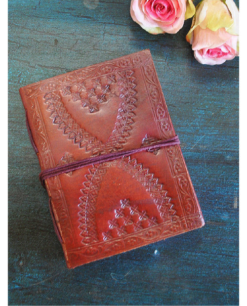 MEDIUM SIZE LEATHER JOURNAL