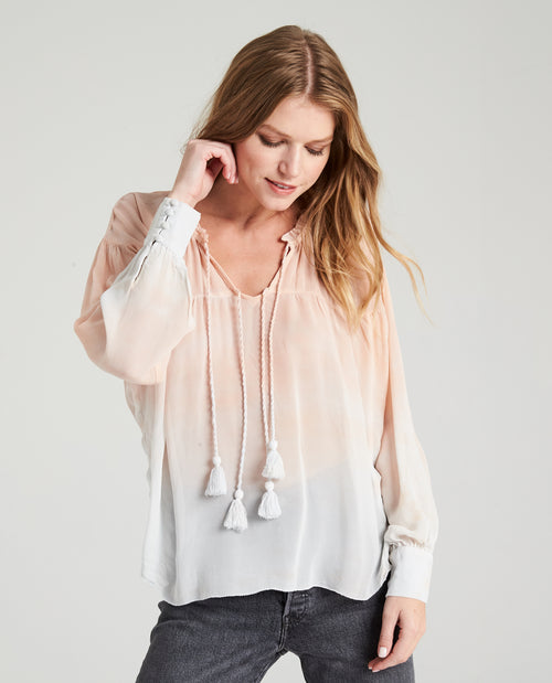 LILJA FLIRTY BLOUSE