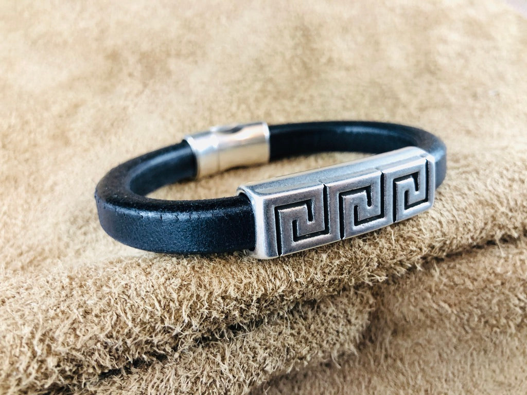 Leather Bracelet with Short Antique Silver Maze Slider