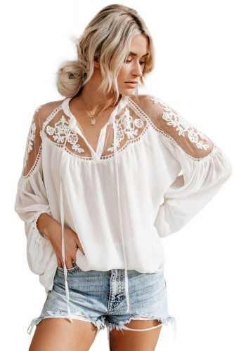 LACE BLOUSE (BLACK OR WHITE)