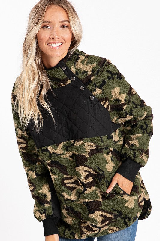 CAMO PULLOVER WITH BLACK CHEST DETAIL