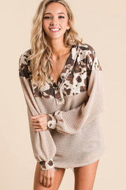 TAUPE COW PRINT POPCORN WAFFLE V NECK TOP