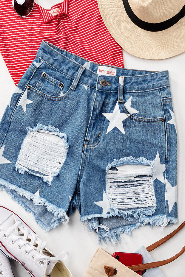 MEDIUM WASH DENIM DISTRESSED STAR SHORTS