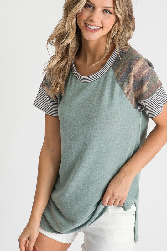 SAGE TOP WITH CAMO / STRIPE SHOULDERS