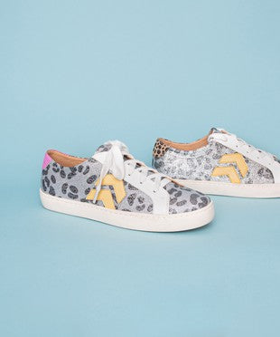 CHEETAH GLITTER ARROW DETAIL SNEAKERS