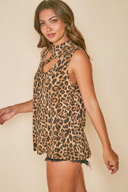 LEOPARD PRINT SLEEVELESS KNIT TOP
