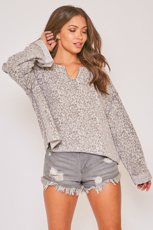 ANIMAL PRINT LONGSLEEVE KNIT FLEECE TOP