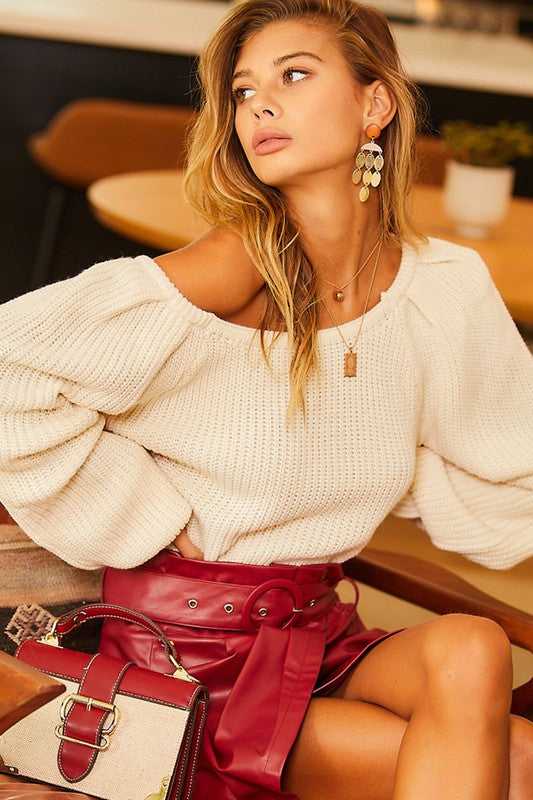 IVORY OFF-SHOULDER SQUARE NECK TOP