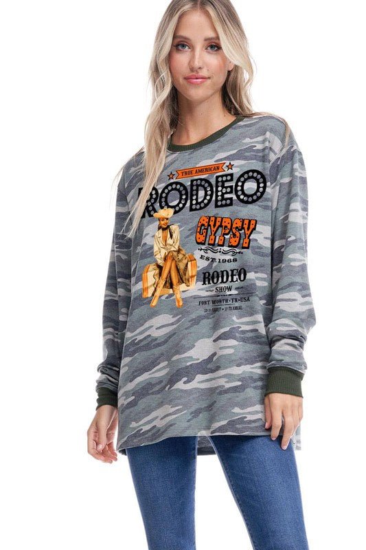 RODEO LONG SLEEVE GRAPHIC CAMO TOP