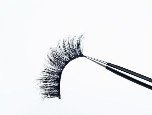 DAKOTA LASH (BLUE LASH BOX)
