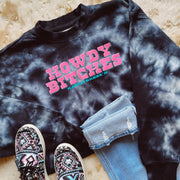 HOWDY BITCHES BLACK TIE DYE CROPPED PULLOVER