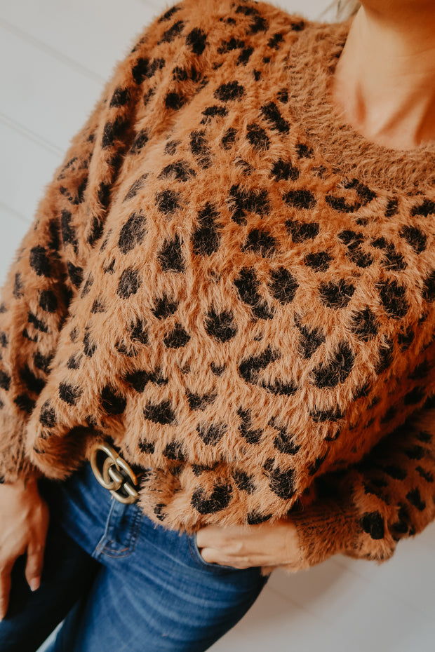 LEOPARD FUZZY WIDE SLEEVE SWEATER