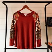 RUST THERMAL TOP WITH FLORAL AND COWHIDE DETAIL