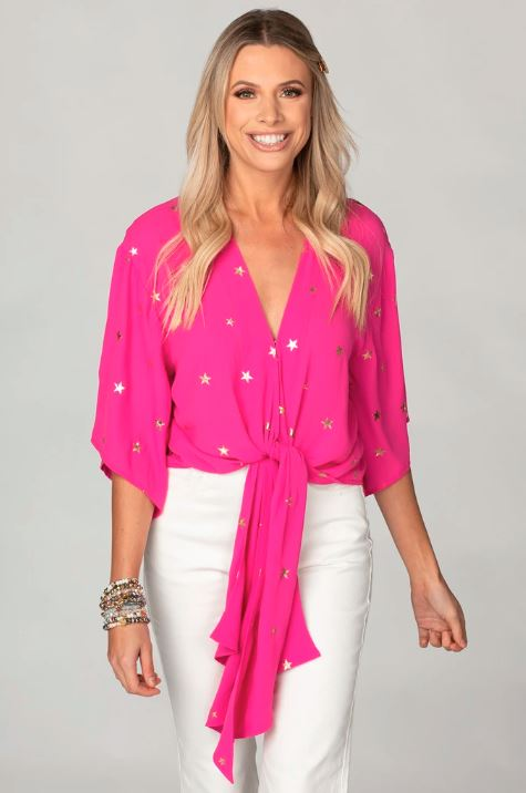 HOT PINK STARS QUARTER LENGTH SLEEVE TIE FRONT TOP