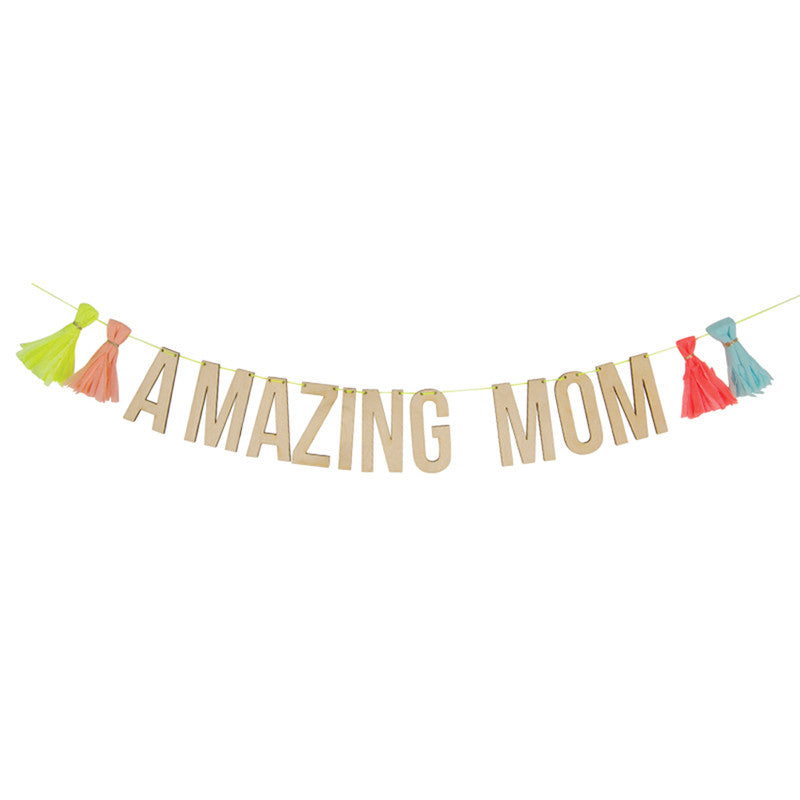 Amazing Mom Garland
