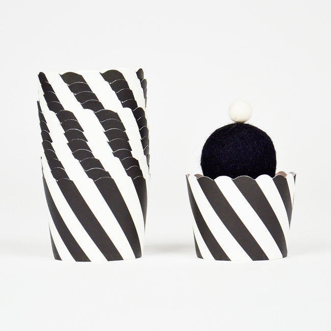 Baking & Treat Cups - Black & White