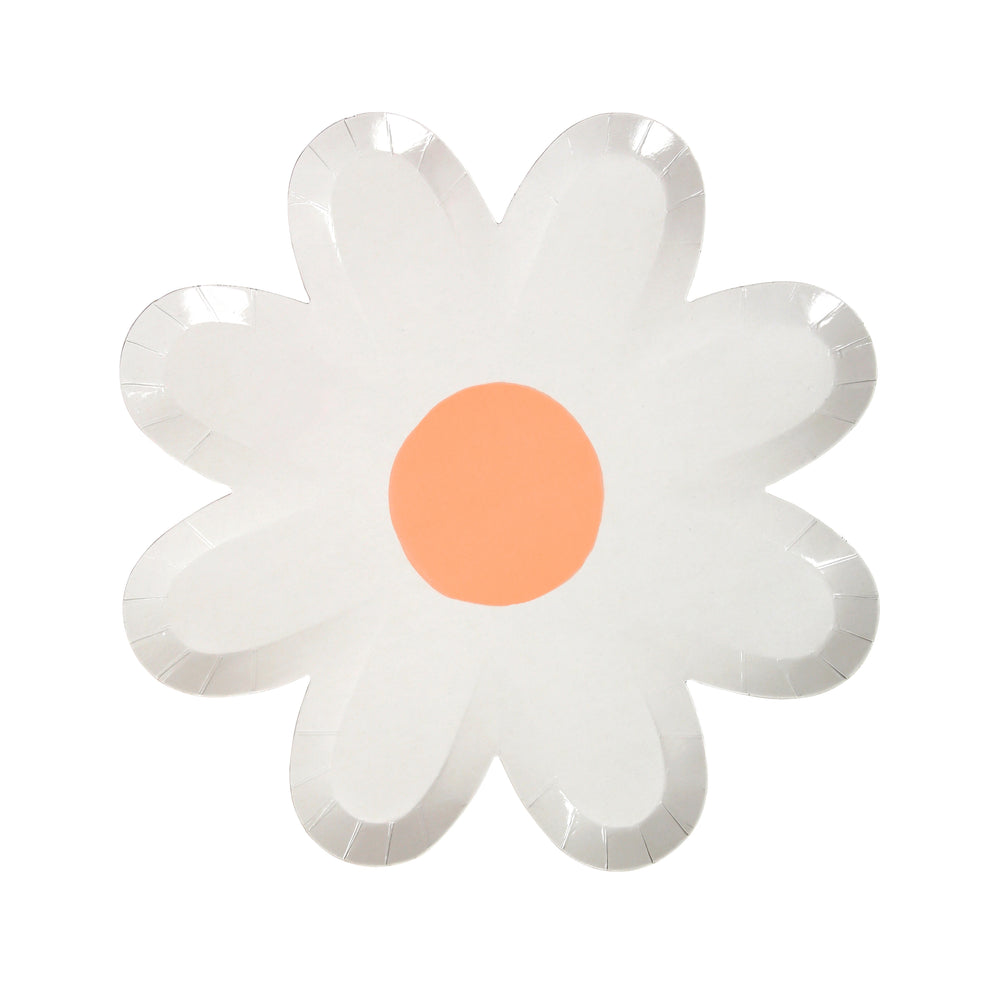 white daisy plate with a pastel coral center. large plate