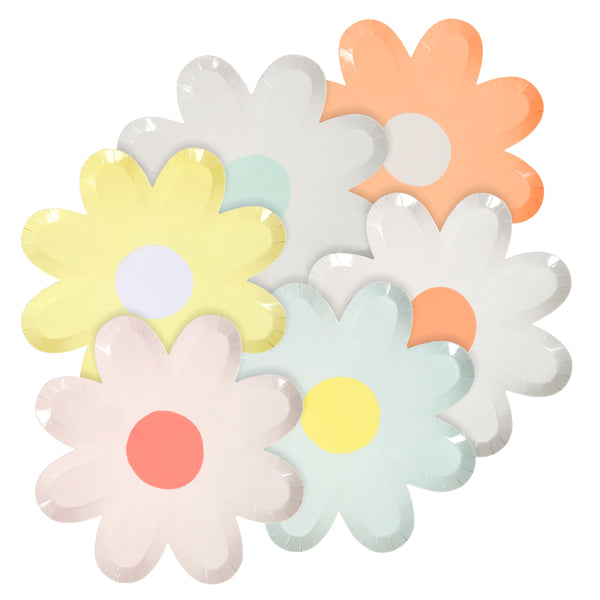 daisy shaped plates in a modern interpretation of a daisy resembling a